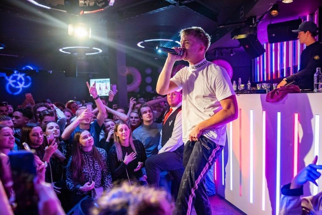 Lil' Kleine optreden - Donuts | Proost in Breda