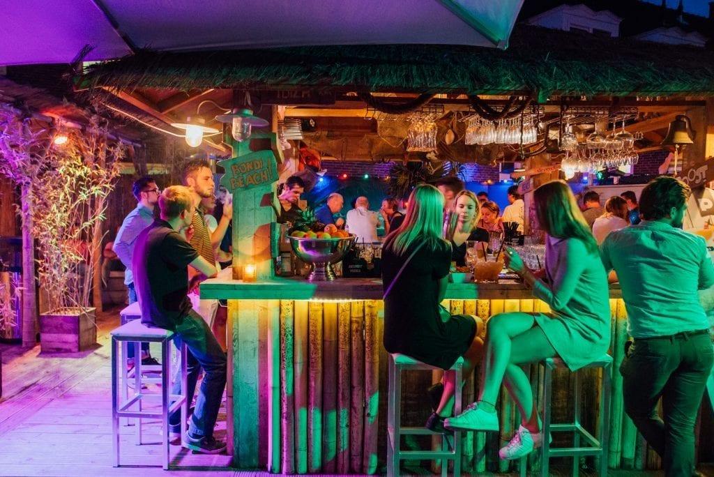 Dakterras - avondsfeer | Proost in Breda