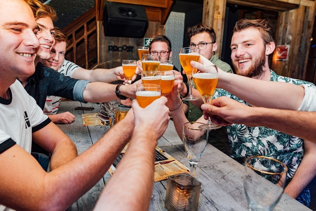 Bierproeverij - proosten | Proost in Breda